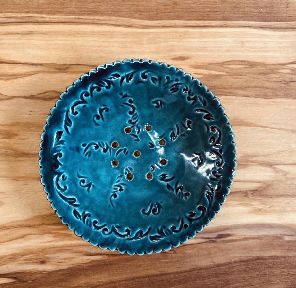 Handgetöpferte Seifenschale blau rund